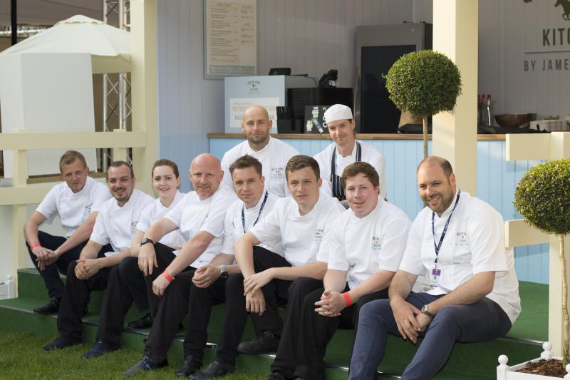 Celebrity chef José Andrés opens pop-up restaurant to help ...